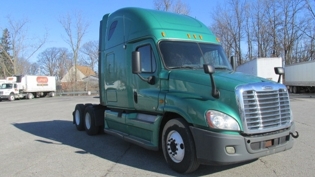 Sleeper Tractor-Heavy Duty Tractors-Freightliner-2012-Cascadia 12564ST-KOKOMO-IN-499,831 miles-$33,500