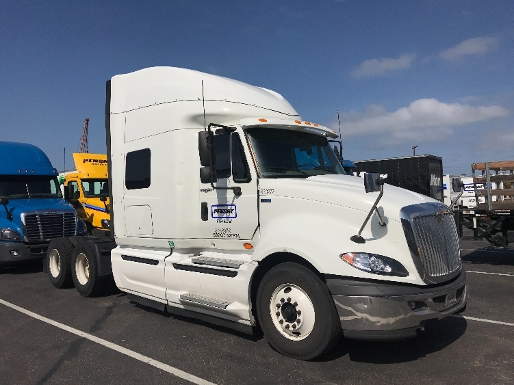 Sleeper Tractor-Heavy Duty Tractors-International-2012-ProStar-NATIONAL CITY-CA-435,286 miles-$22,750