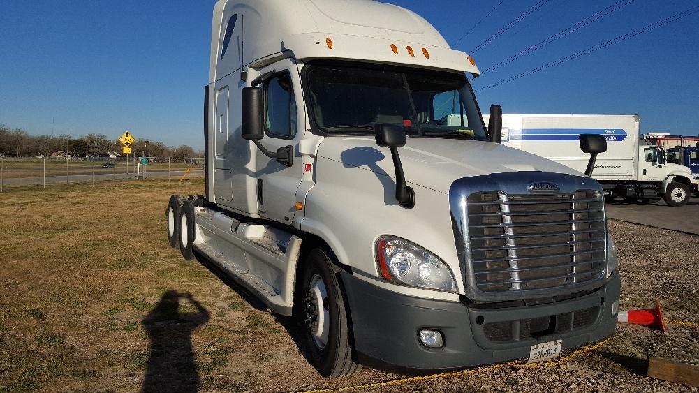 Sleeper Tractor-Heavy Duty Tractors-Freightliner-2012-Cascadia 12564ST-SHREVEPORT-LA-609,698 miles-$34,000