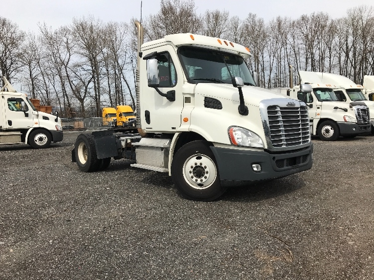 Day Cab Tractor-Heavy Duty Tractors-Freightliner-2012-Cascadia 11342ST-DELTA-BC-154,225 km-$35,750