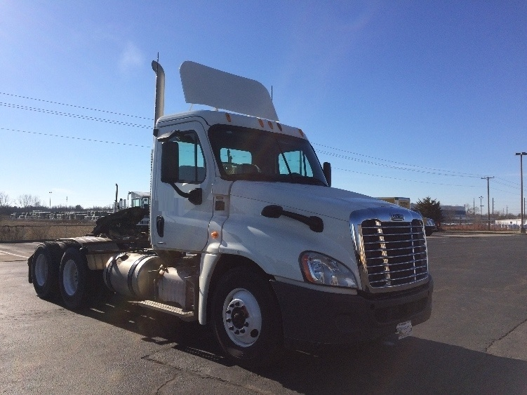Day Cab Tractor-Heavy Duty Tractors-Freightliner-2012-Cascadia 12564ST-RICHMOND-IN-121,902 miles-$49,750