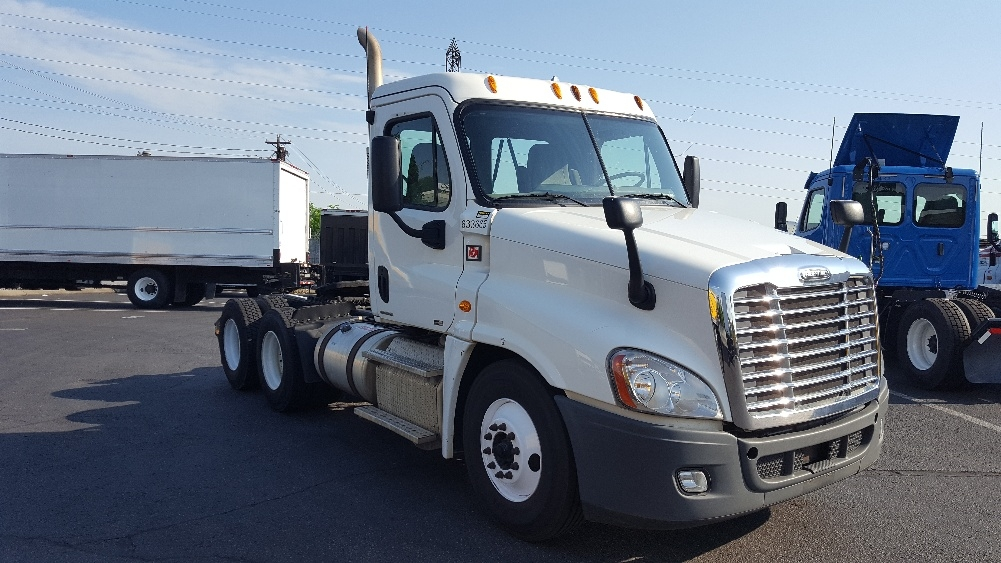 Day Cab Tractor-Heavy Duty Tractors-Freightliner-2012-Cascadia 12564ST-NASHVILLE-TN-422,795 miles-$32,500