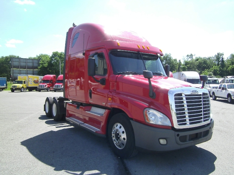 Sleeper Tractor-Heavy Duty Tractors-Freightliner-2012-Cascadia 12564ST-SMYRNA-TN-721,598 miles-$31,750