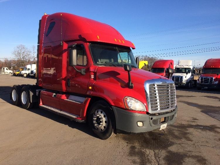 Sleeper Tractor-Heavy Duty Tractors-Freightliner-2012-Cascadia 12564ST-WHITE DEER-PA-686,631 miles-$30,250