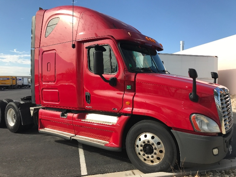 Sleeper Tractor-Heavy Duty Tractors-Freightliner-2012-Cascadia 12564ST-LAS VEGAS-NV-595,897 miles-$39,000