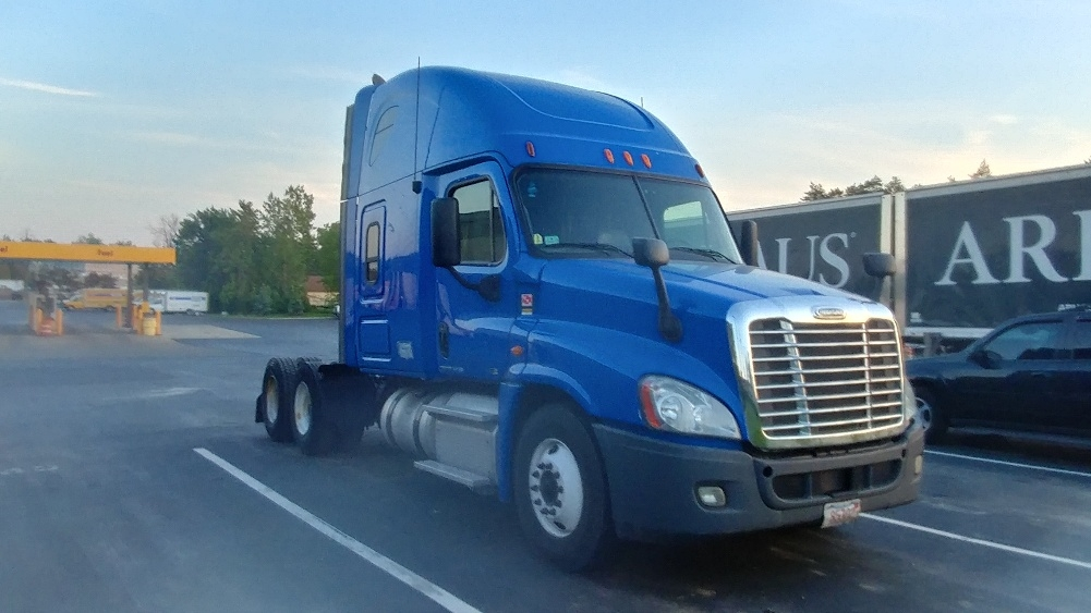Sleeper Tractor-Heavy Duty Tractors-Freightliner-2012-Cascadia 12564ST-BUFFALO-NY-511,805 miles-$13,000