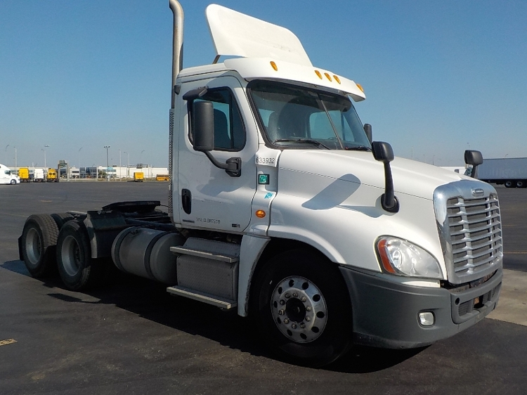 Day Cab Tractor-Heavy Duty Tractors-Freightliner-2012-Cascadia 12564ST-SAINT LAURENT-PQ-250,171 km-$66,250