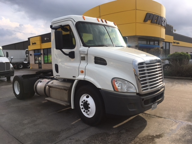 Day Cab Tractor-Heavy Duty Tractors-Freightliner-2012-Cascadia 11342ST-HOUSTON-TX-305,743 miles-$36,750