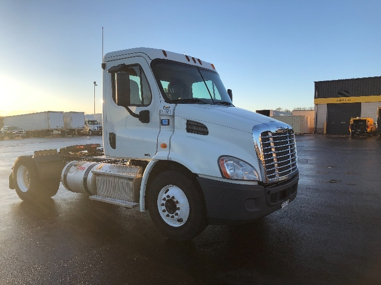 Day Cab Tractor-Heavy Duty Tractors-Freightliner-2012-Cascadia 11342ST-SPRINGFIELD-MO-397,799 miles-$29,500