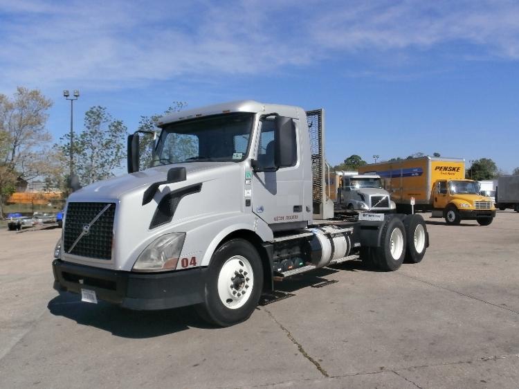 Day Cab Tractor-Heavy Duty Tractors-Volvo-2012-VNL64T300-HAMMOND-LA-266,739 miles-$41,500