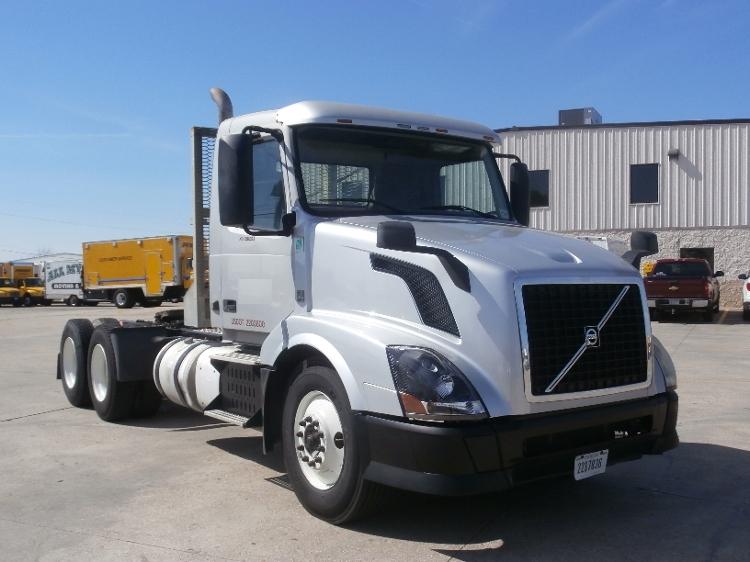 Day Cab Tractor-Heavy Duty Tractors-Volvo-2012-VNL64T300-HAMMOND-LA-304,345 miles-$40,000