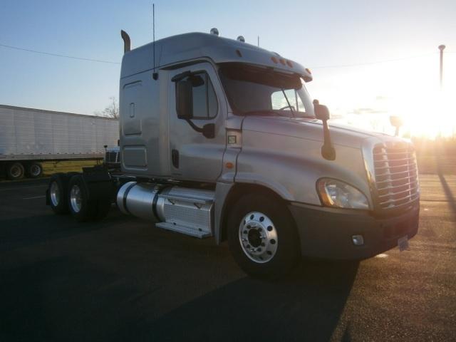 Sleeper Tractor-Heavy Duty Tractors-Freightliner-2012-Cascadia 12564ST-COLUMBIA-TN-780,213 miles-$28,500