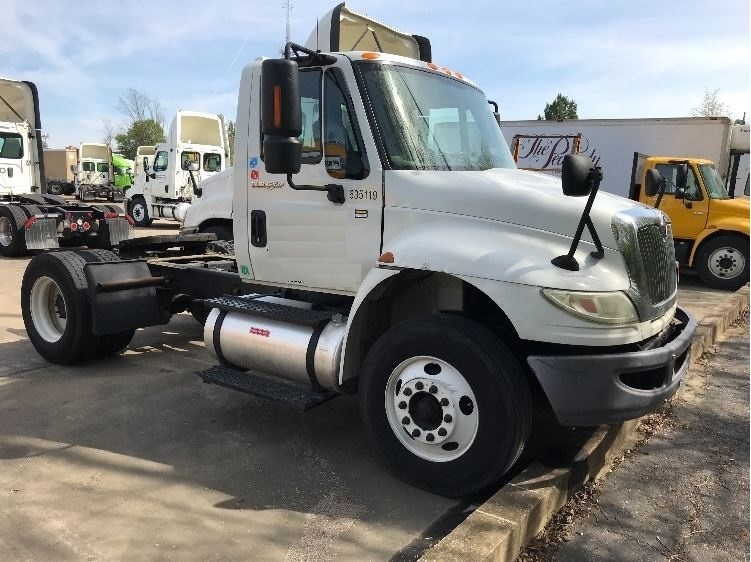 Day Cab Tractor-Heavy Duty Tractors-International-2012-4400-MEMPHIS-TN-155,080 miles-$7,000