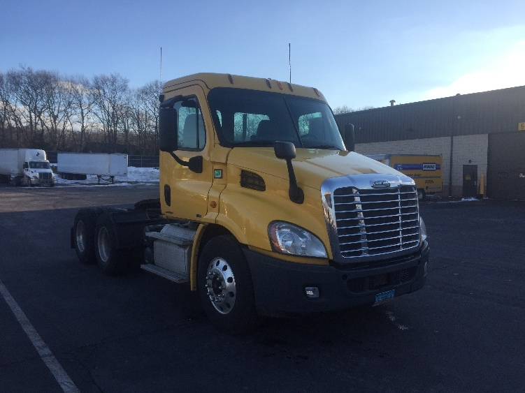 Day Cab Tractor-Heavy Duty Tractors-Freightliner-2012-Cascadia 11364ST-CRANSTON-RI-404,101 miles-$31,500
