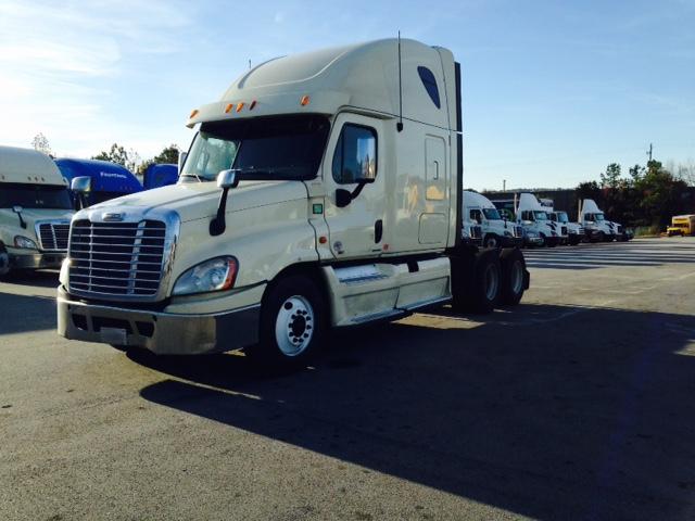 Sleeper Tractor-Heavy Duty Tractors-Freightliner-2012-Cascadia 12564ST-ATLANTA-GA-634,886 miles-$35,250
