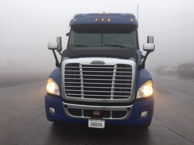 Sleeper Tractor-Heavy Duty Tractors-Freightliner-2012-Cascadia 12564ST-POTTSVILLE-PA-460,303 miles-$36,750