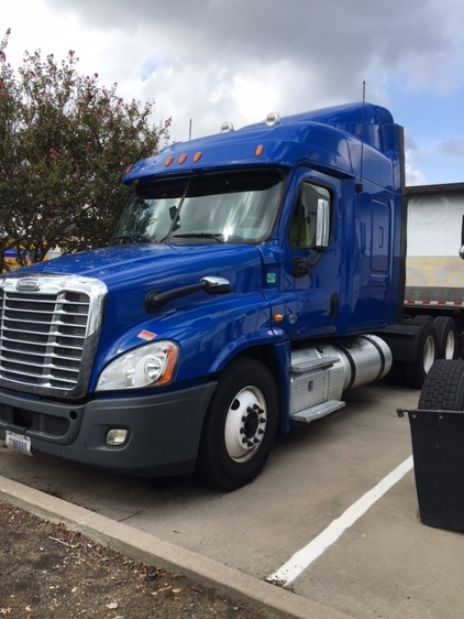 Sleeper Tractor-Heavy Duty Tractors-Freightliner-2012-Cascadia 12564ST-DALLAS-TX-605,132 miles-$17,000
