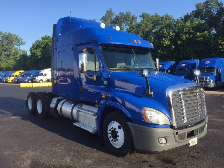 Sleeper Tractor-Heavy Duty Tractors-Freightliner-2012-Cascadia 12564ST-DES MOINES-IA-658,000 miles-$13,000