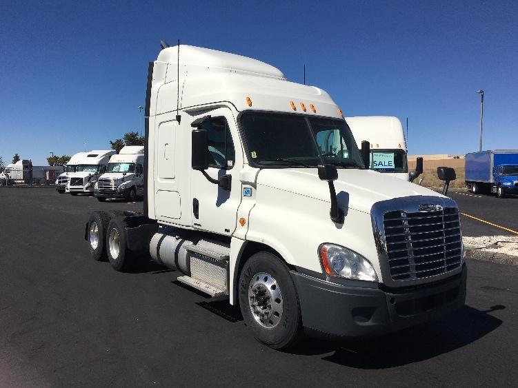 Sleeper Tractor-Heavy Duty Tractors-Freightliner-2012-Cascadia 12564ST-WEST VALLEY CITY-UT-490,379 miles-$50,500