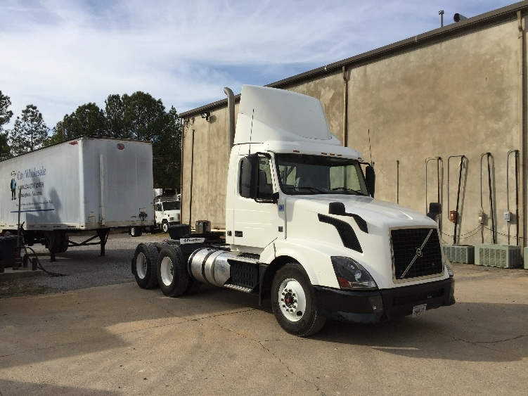 Day Cab Tractor-Heavy Duty Tractors-Volvo-2013-VNL64T300-HOMEWOOD-AL-294,508 miles-$51,000