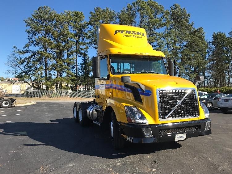 Day Cab Tractor-Heavy Duty Tractors-Volvo-2013-VNL64T300-SPARTANBURG-SC-533,949 miles-$28,750