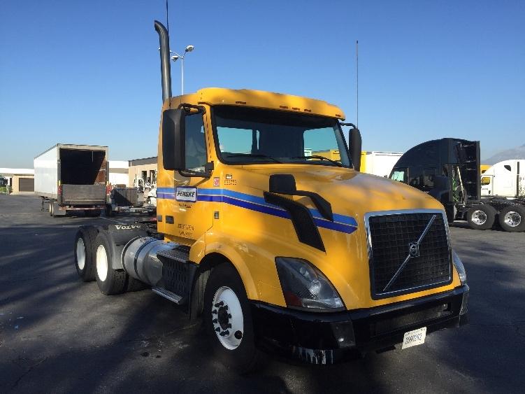 Day Cab Tractor-Heavy Duty Tractors-Volvo-2013-VNL64T300-ONTARIO-CA-186,453 miles-$59,750