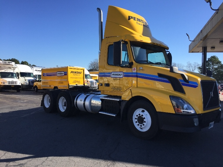 Day Cab Tractor-Heavy Duty Tractors-Volvo-2013-VNL64T300-LITTLE ROCK-AR-378,482 miles-$34,000