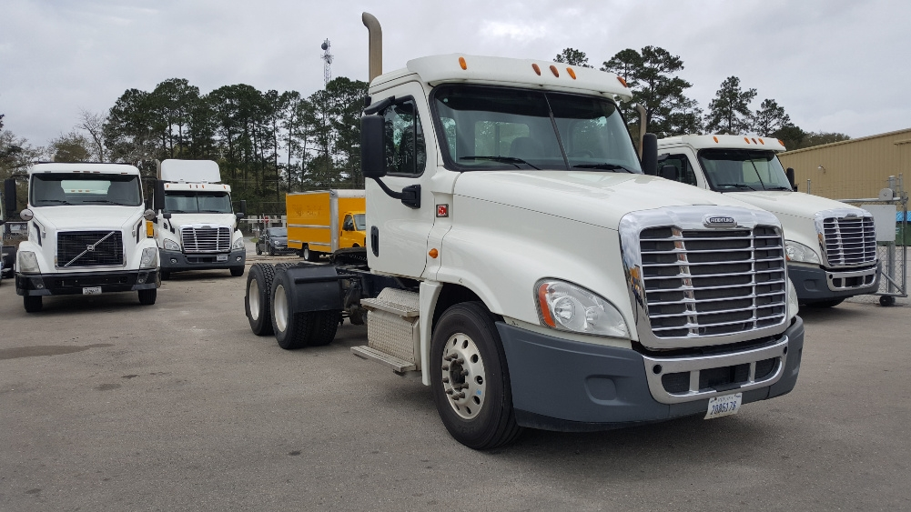 Day Cab Tractor-Heavy Duty Tractors-Freightliner-2013-Cascadia 12564ST-TALLAHASSEE-FL-400,775 miles-$50,750