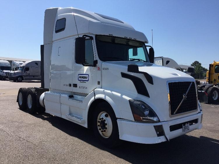 Sleeper Tractor-Heavy Duty Tractors-Volvo-2013-VNL64T670-RICHLAND-MS-599,239 miles-$51,750