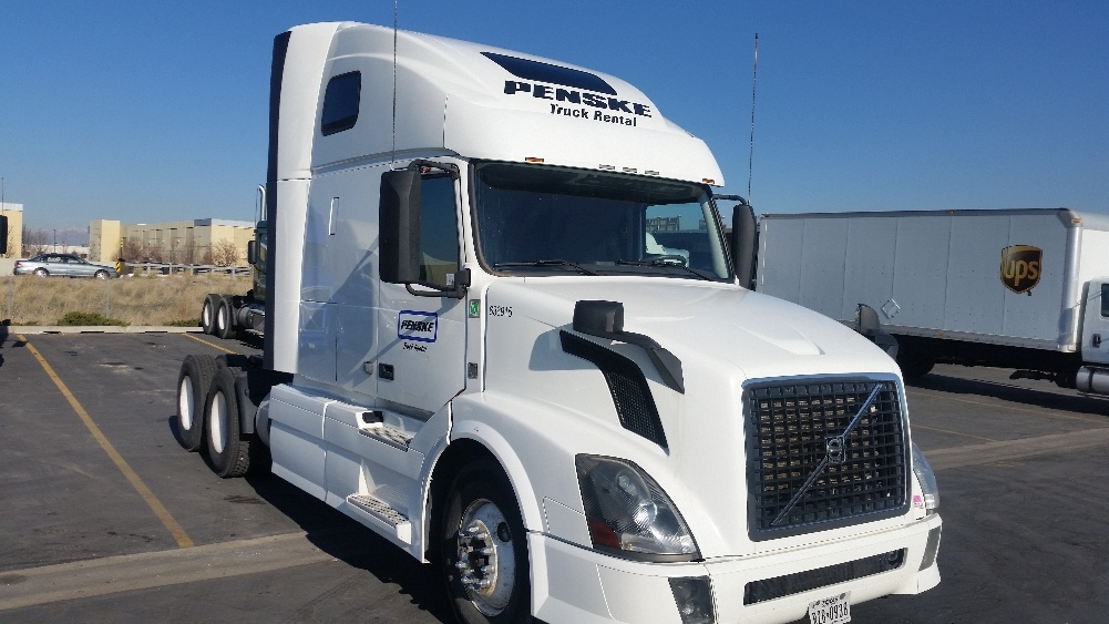 Sleeper Tractor-Heavy Duty Tractors-Volvo-2013-VNL64T670-WEST VALLEY CITY-UT-413,549 miles-$47,250