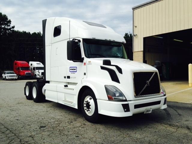 Sleeper Tractor-Heavy Duty Tractors-Volvo-2013-VNL64T670-FARGO-ND-499,680 miles-$45,250