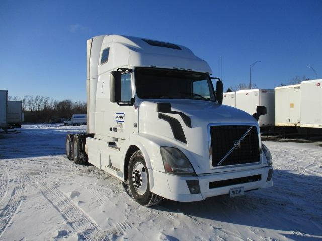 Sleeper Tractor-Heavy Duty Tractors-Volvo-2013-VNL64T670-OMAHA-NE-546,311 miles-$39,500