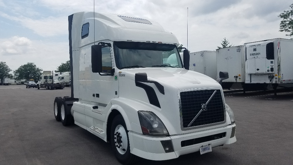 Sleeper Tractor-Heavy Duty Tractors-Volvo-2013-VNL64T670-INDIANAPOLIS-IN-507,030 miles-$39,250