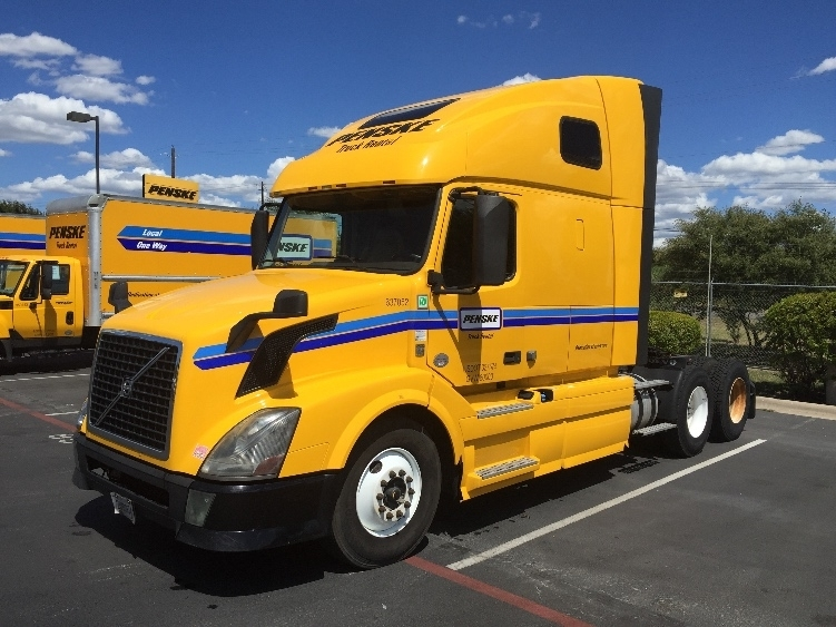 Sleeper Tractor-Heavy Duty Tractors-Volvo-2013-VNL64T670-YOUNGSTOWN-OH-574,526 miles-$38,750