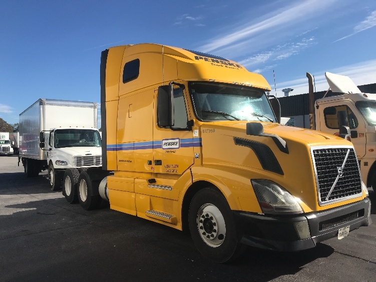 Sleeper Tractor-Heavy Duty Tractors-Volvo-2013-VNL64T670-SPARTANBURG-SC-544,871 miles-$42,000
