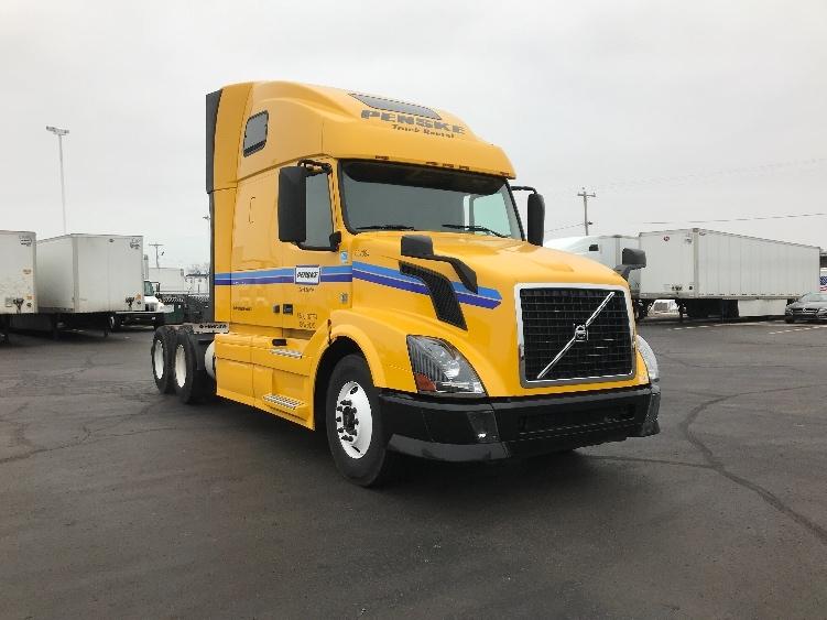 Used Sleeper Tractors For Sale In Wi Penske Used Trucks