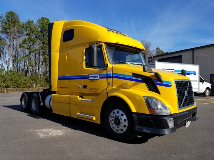 Sleeper Tractor-Heavy Duty Tractors-Volvo-2013-VNL64T670-ANDERSON-SC-601,597 miles-$41,250