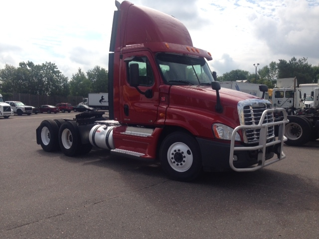 Day Cab Tractor-Heavy Duty Tractors-Freightliner-2012-Cascadia 12564ST-BROOKLYN PARK-MN-305,631 miles-$43,750