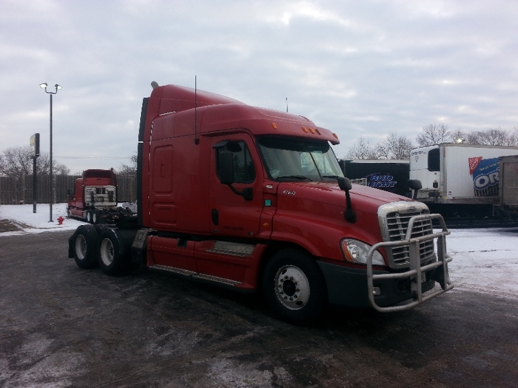 Sleeper Tractor-Heavy Duty Tractors-Freightliner-2012-Cascadia 12564ST-BROOKLYN PARK-MN-815,811 miles-$35,000