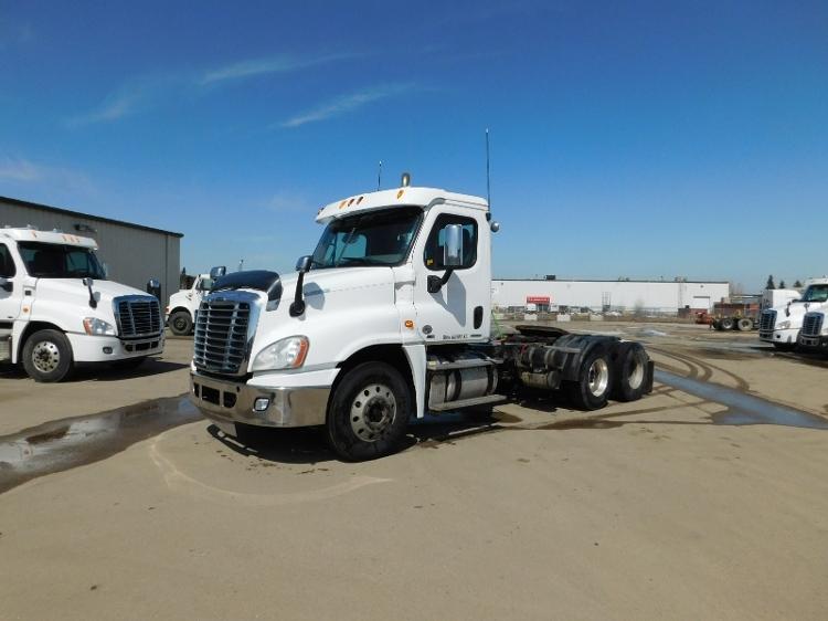 Day Cab Tractor-Heavy Duty Tractors-Freightliner-2012-Cascadia 12564ST-SASKATOON-SK-714,936 km-$48,250