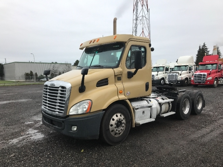 Day Cab Tractor-Heavy Duty Tractors-Freightliner-2013-Cascadia 11364ST-DELTA-BC-353,112 km-$46,500