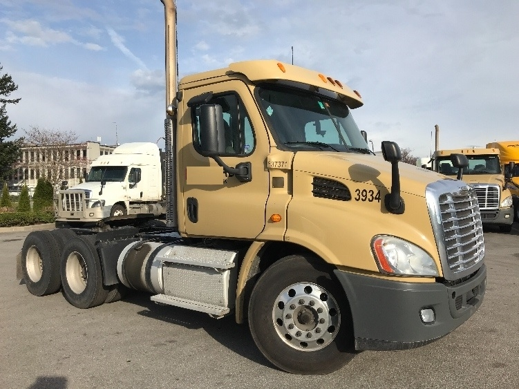 Day Cab Tractor-Heavy Duty Tractors-Freightliner-2013-Cascadia 11364ST-DELTA-BC-275,821 km-$48,250