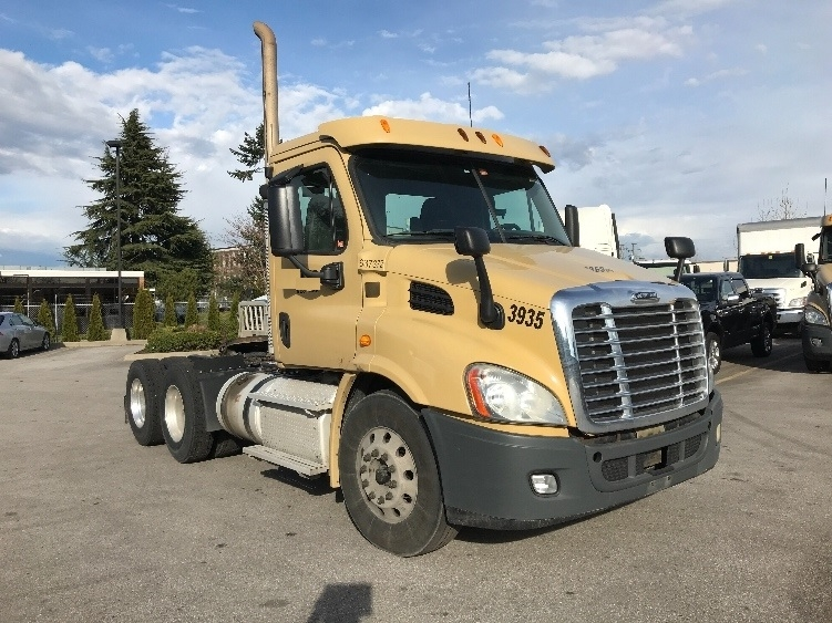 Day Cab Tractor-Heavy Duty Tractors-Freightliner-2013-Cascadia 11364ST-DELTA-BC-359,947 km-$46,500