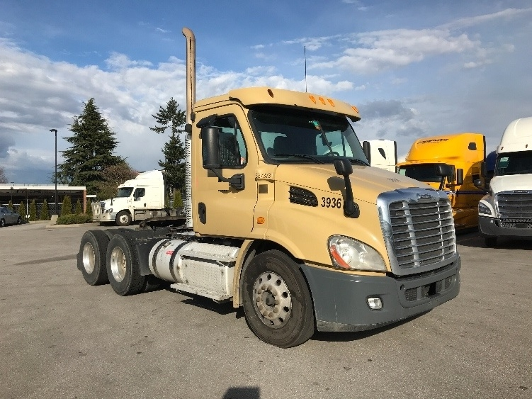 Day Cab Tractor-Heavy Duty Tractors-Freightliner-2013-Cascadia 11364ST-DELTA-BC-346,052 km-$46,750