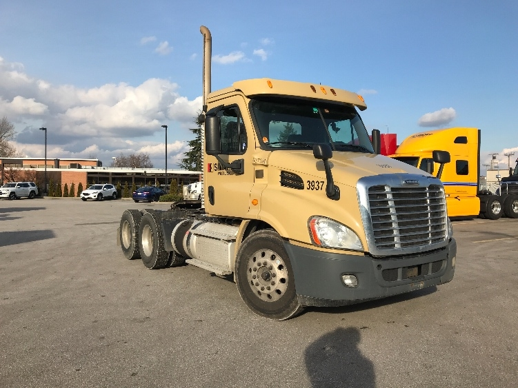 Day Cab Tractor-Heavy Duty Tractors-Freightliner-2013-Cascadia 11364ST-DELTA-BC-372,210 km-$46,250