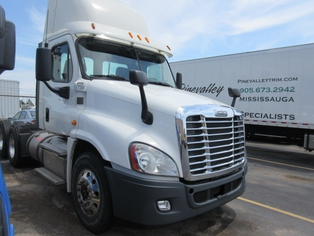 Day Cab Tractor-Heavy Duty Tractors-Freightliner-2013-Cascadia 12564ST-CONCORD-ON-308,627 km-$73,500
