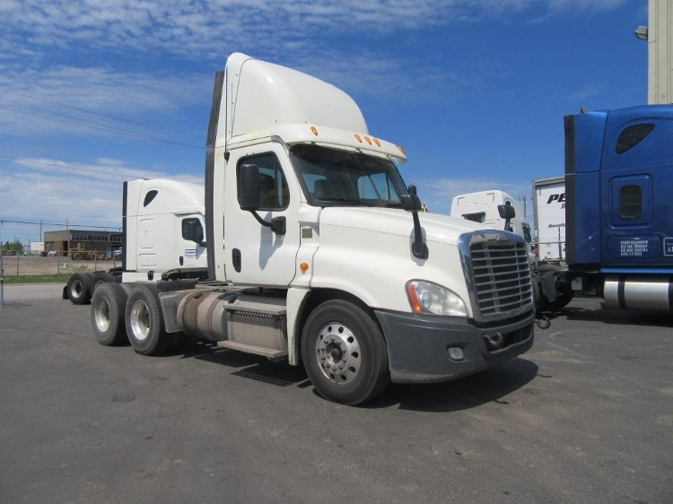 Day Cab Tractor-Heavy Duty Tractors-Freightliner-2013-Cascadia 12564ST-MISSISSAUGA-ON-392,065 km-$72,000