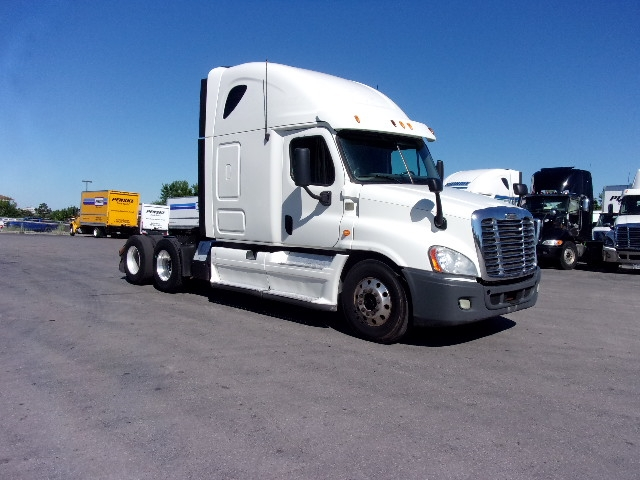 Sleeper Tractor-Heavy Duty Tractors-Freightliner-2013-Cascadia 12564ST-MISSISSAUGA-ON-619,212 km-$50,500