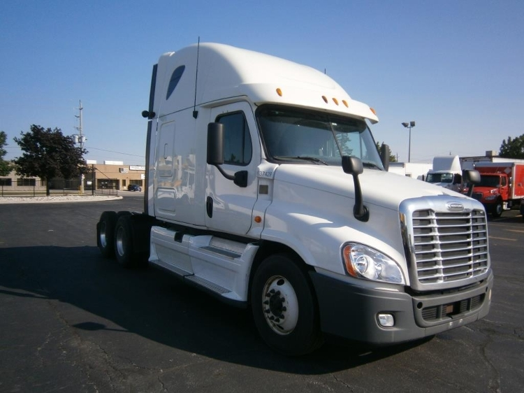 Sleeper Tractor-Heavy Duty Tractors-Freightliner-2013-Cascadia 12564ST-MISSISSAUGA-ON-862,345 km-$55,250