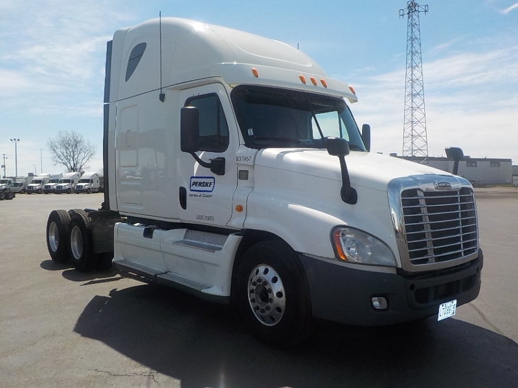 Sleeper Tractor-Heavy Duty Tractors-Freightliner-2013-Cascadia 12564ST-STE-FOY-PQ-1,040,077 km-$55,000